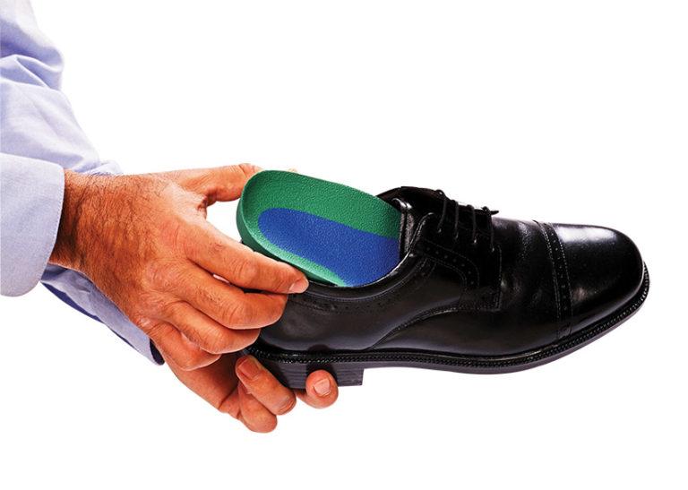 dopasowanie wkładek do buta