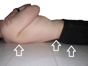 spanie na plecach