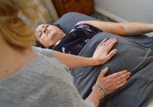 masaż brzucha na zaburzenia trawienia