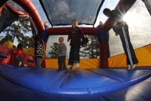 bezpieczna trampolina
