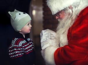 kamienie milowe rozwoju dziecka to też wizyta u Mikołaja