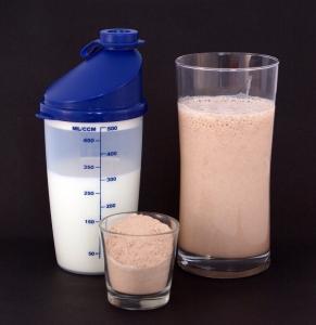 shake proteinowy huel